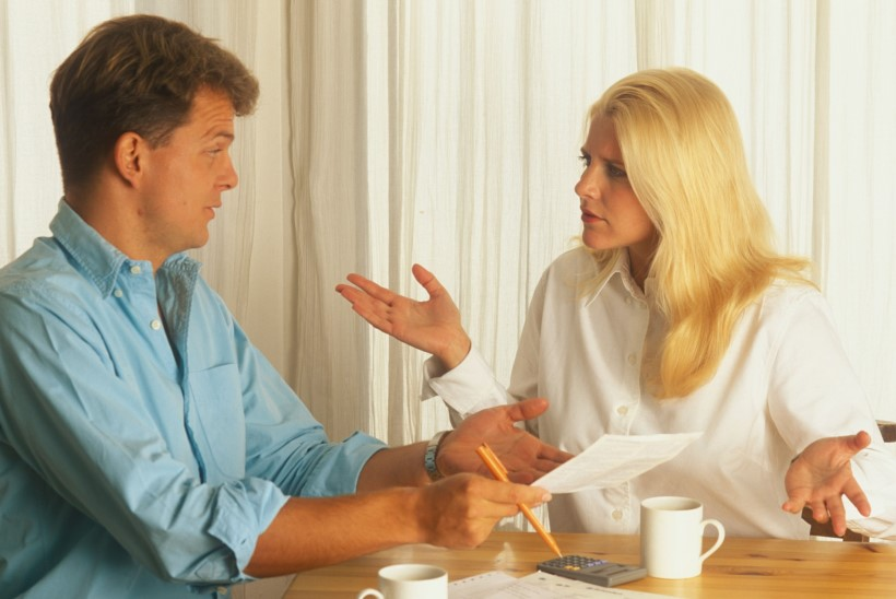 KOOSELU JA RAHAKOTT: kas naine peab meest ülal pidama?