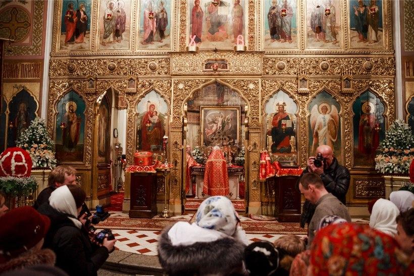 GALERII | Nii saabus püha tuli Tallinna Nevski katedraali