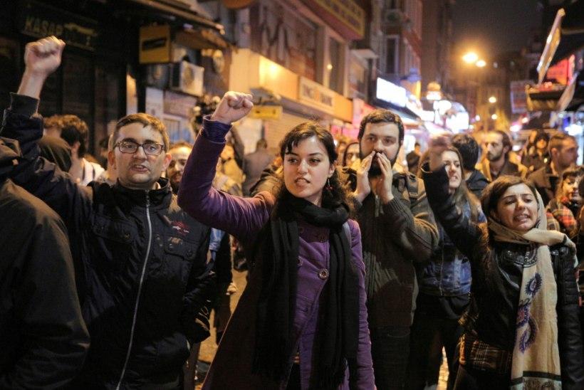 Rahvahääletus lõhestas Türgi