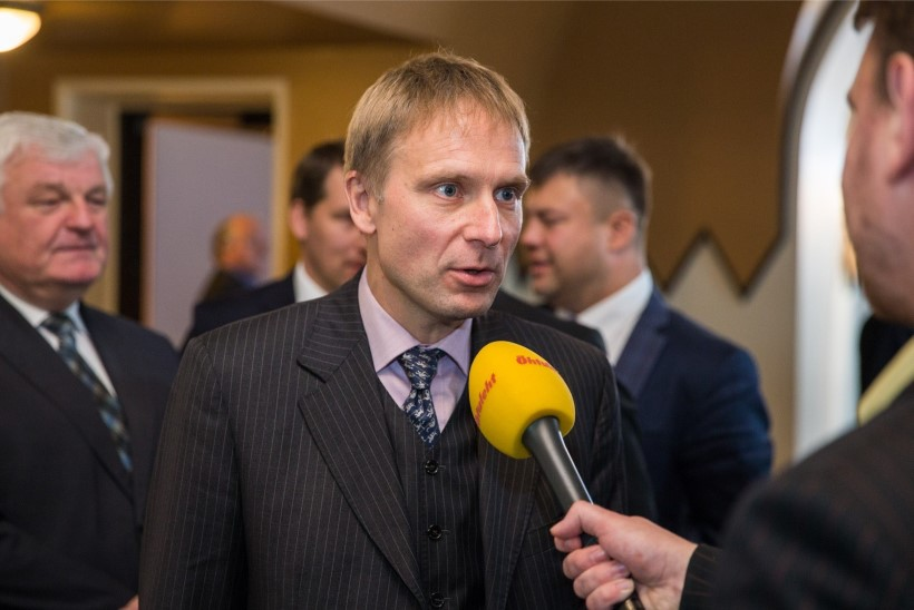Karilaid küsitles Krossi: miks ei ole tal NATO salajast luba?