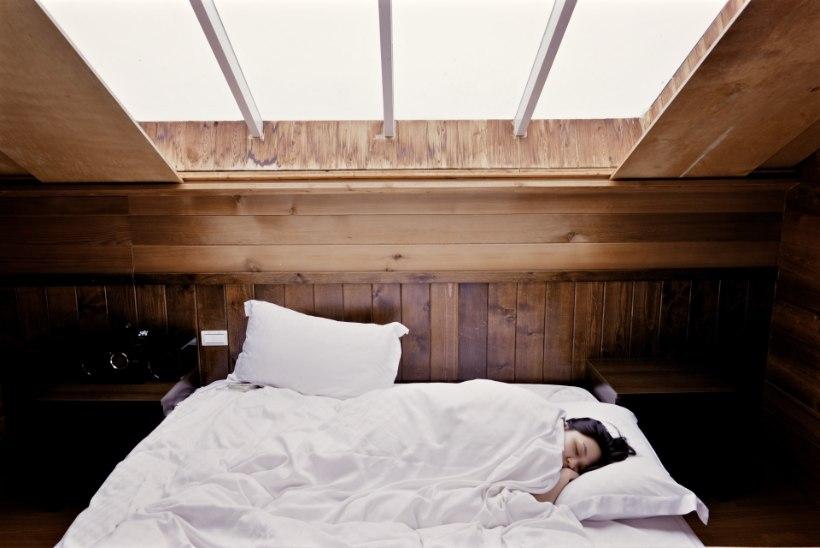 Neli väga head lõdvestumistehnikat, mis aitavad sul magada nagu nott