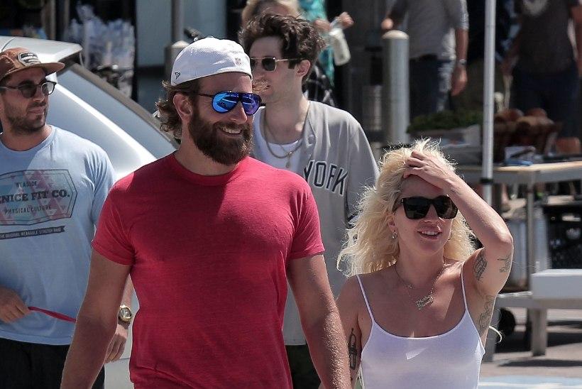Lady Gaga ja Bradley Cooper suudlesid ülikirglikult!