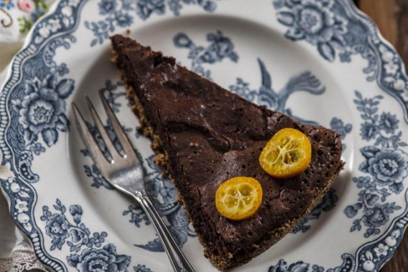 Külluslik šokolaadi-tatrajahu-mandlikook