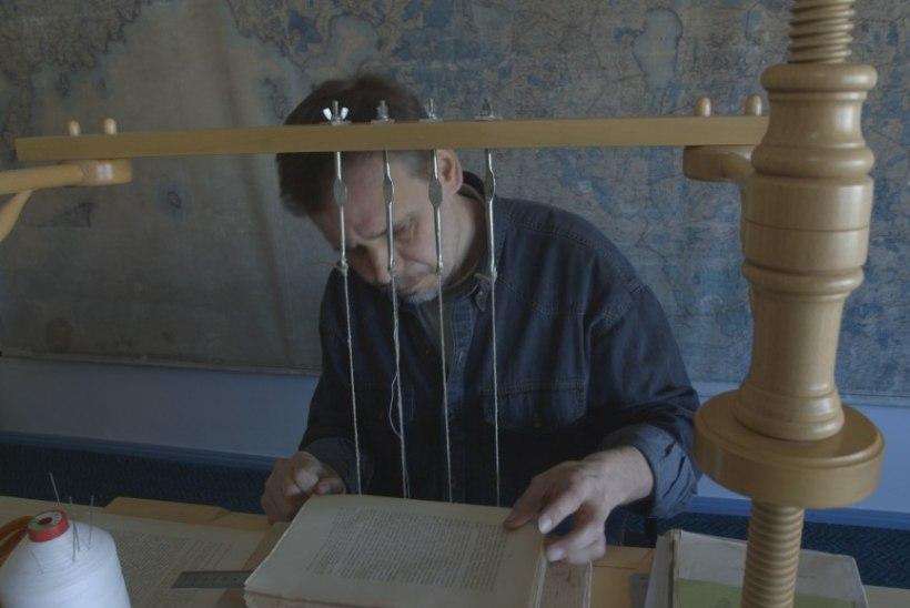 Roald Johannsoni reportaaž viib rahvusraamatukogu lõpututusse koridoridesse