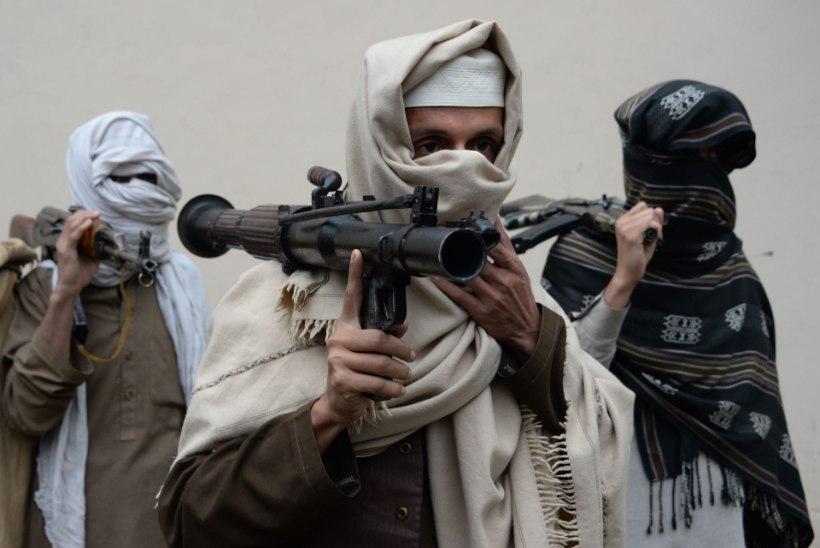 Põgenike seas saabuvad Talibani võitlejad
