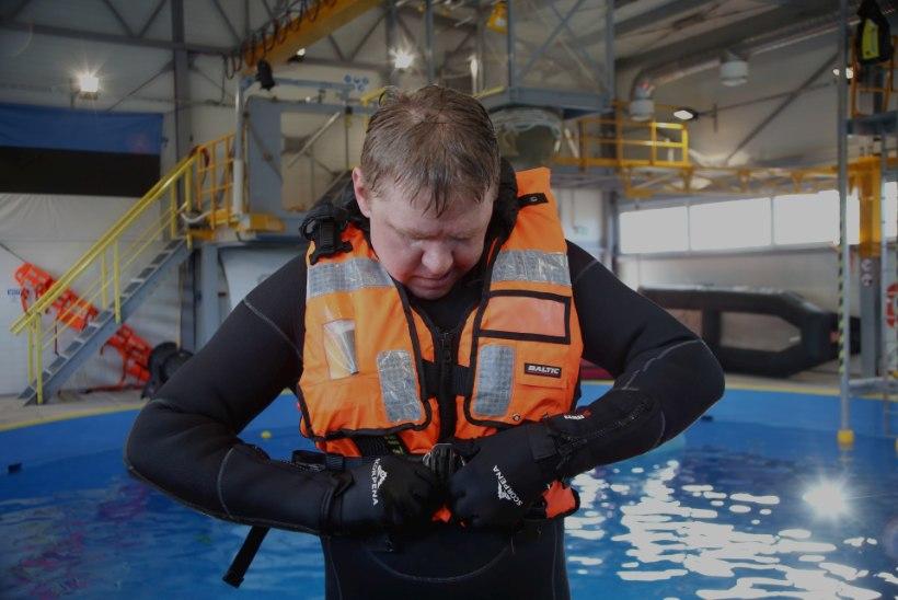 VIDEO JA GALERII   Merepääste spetsialist soovitab kasutada hübriidvesti