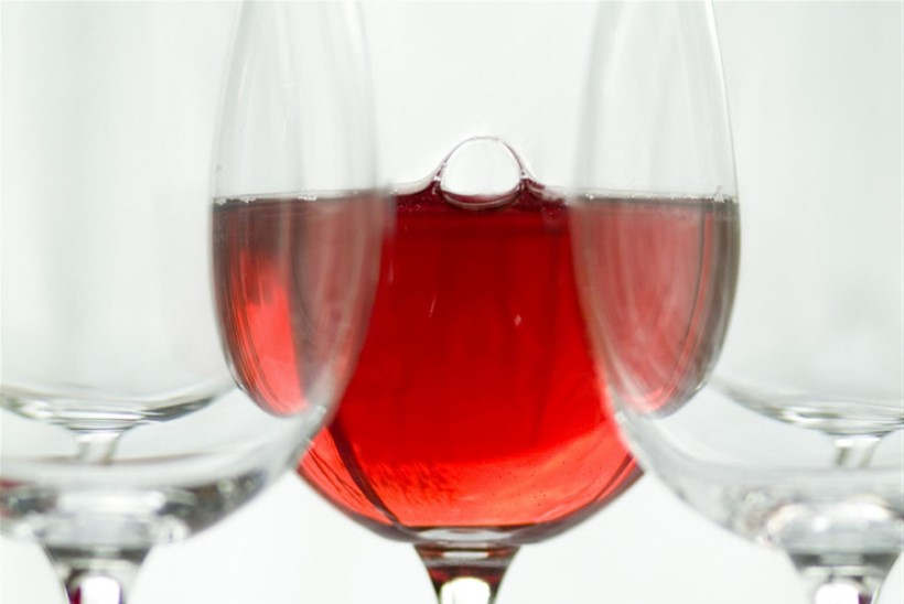 Luba roosa oma klaasi