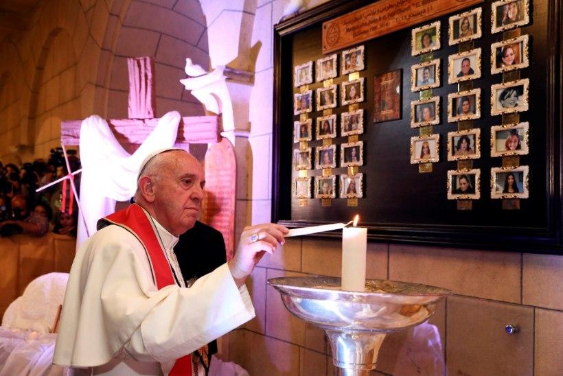 FOTOD | Paavst käis Egiptuses viibides kirikus, milles hukkus 29 inimest