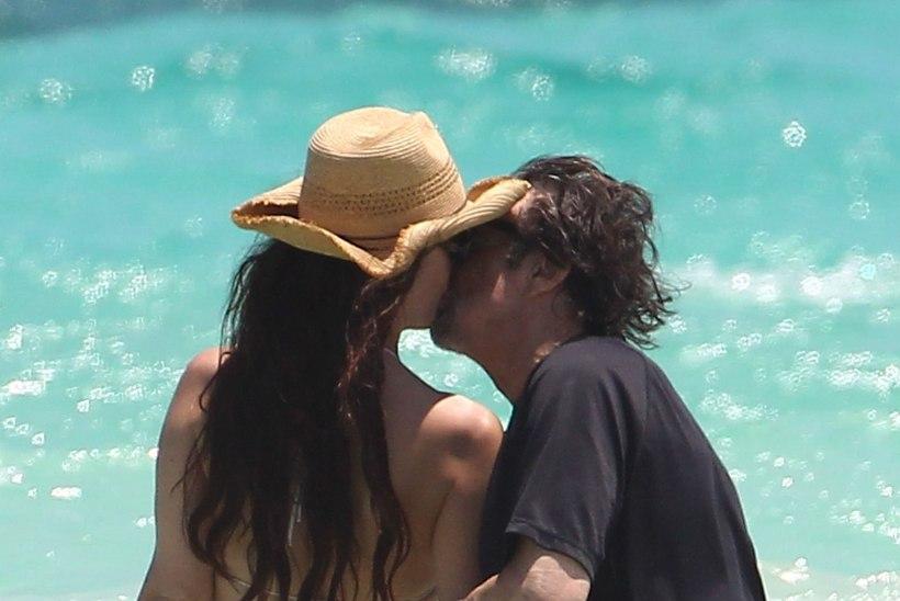 MAGUS ELU: Al Pacino õrnutses oma seksika noore kallimaga lainetes