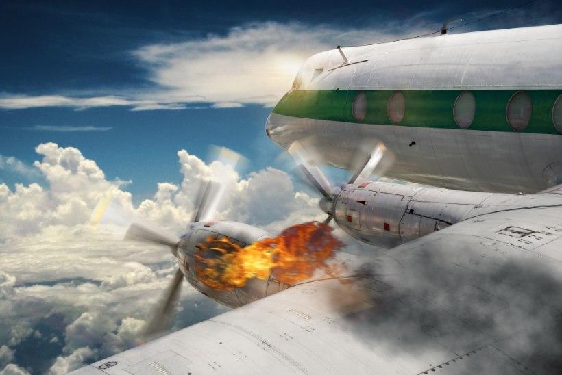PAANIKA LENNUKIS: inimesed karjusid, kui õhusõidukisse suitsu immitses
