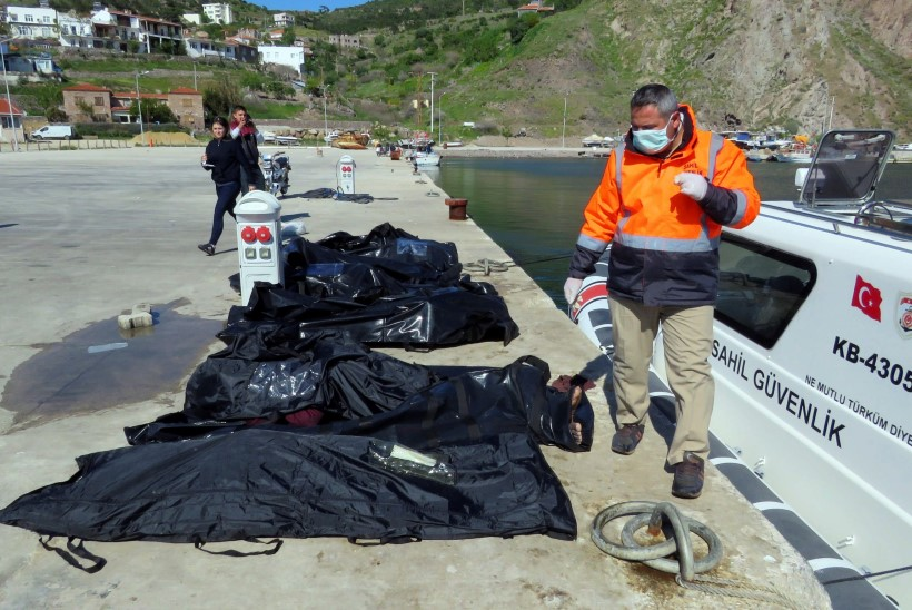 Vahemerre uppus 1089 põgenikku