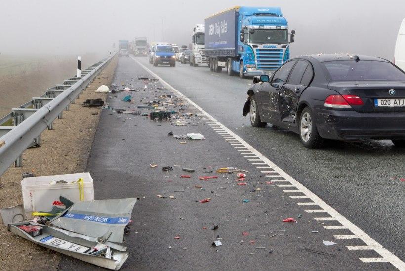 Üle 30 auto avariis: hooldamata tee, must jää, vale kiirus, väike pikivahe