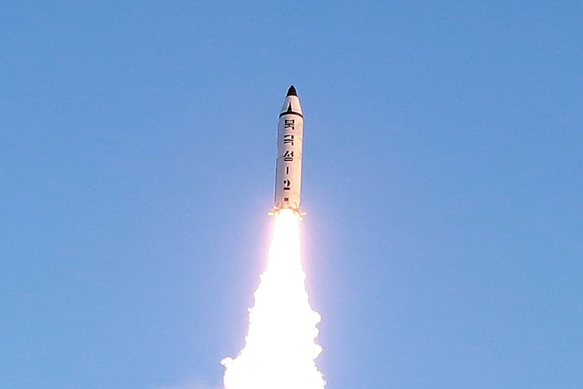 Põhja-Korea tulistas välja järjekordse ballistilise raketi