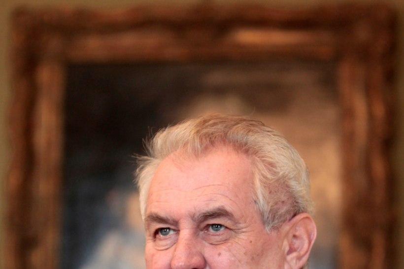 Kes laadis Tšehhi presidendi arvutisse lastepornot?