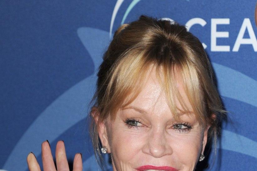 """Melanie Griffith tunnistab vussis iluoppe: """"Loodetavasti näen nüüd normaalsem välja."""""""
