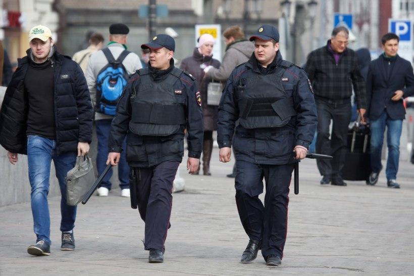 Peterburis on seoses terrorirünnakuga kinni peetud kuus kahtlusalust
