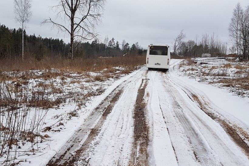 Külateed on muutunud mülkaks: lapsed ei pääse koolibussile, prügiautod pööravad tagasi