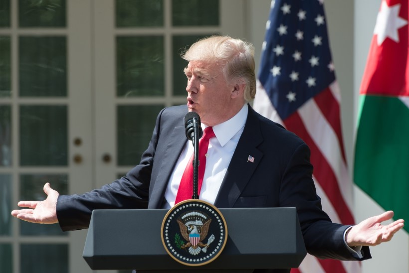 Valge Maja nõuab Twitterilt Trumpi kritiseeriva isiku nime avalikustamist
