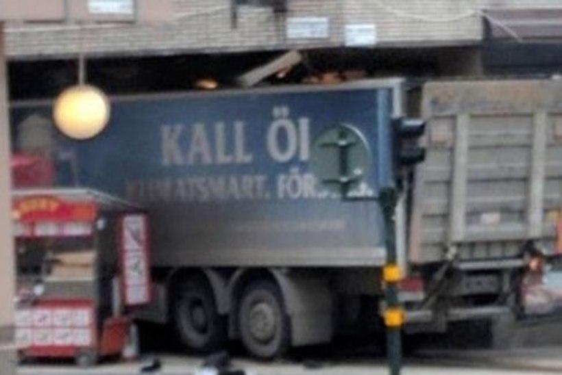 Terrorist ajas Stockholmis inimesi alla