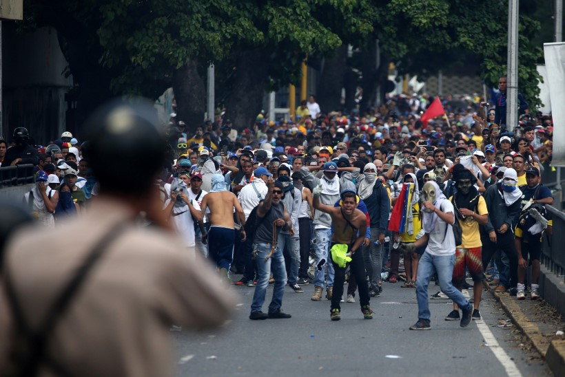 Venezuelas toimub valitsuse vastu vägivaldne protest