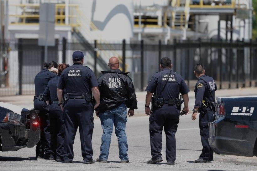 FOTOD | Dallases tulistati sündmuspaigale kutsutud parameedikut