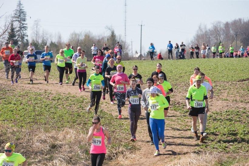 GALERII | Ümber Viljandi järve jooksis rohkem kui 4000 inimest