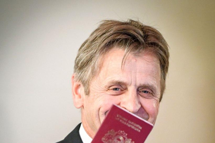 Balletilegend Mihhail Barõšnikov sai Läti passi
