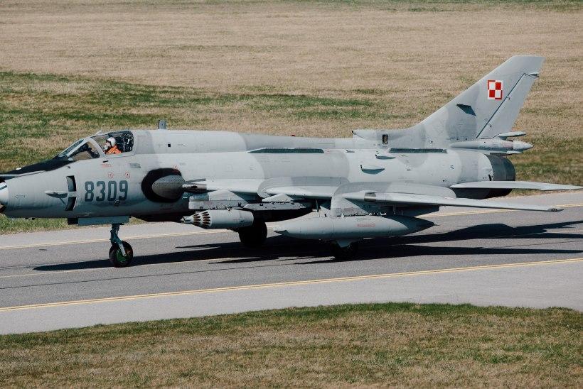 FOTOUUDIS | Kevadtormile saabusid Poola ründelennukid Su-22
