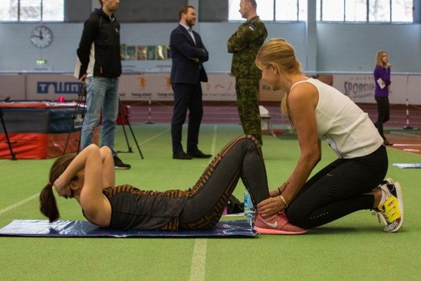 Kaitsevägi kutsub noori naisi ajateenistusse
