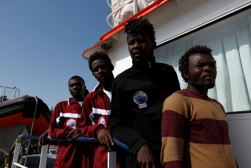 Itaalia ägab põgenikelaine all