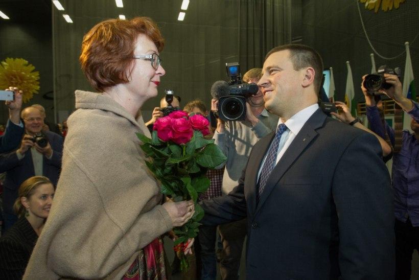 Yana Toomi pöördumine Jüri Ratase poole: peaministri ülesanne on eestlasi ja venelasi kokku tuua, mitte pooli valida