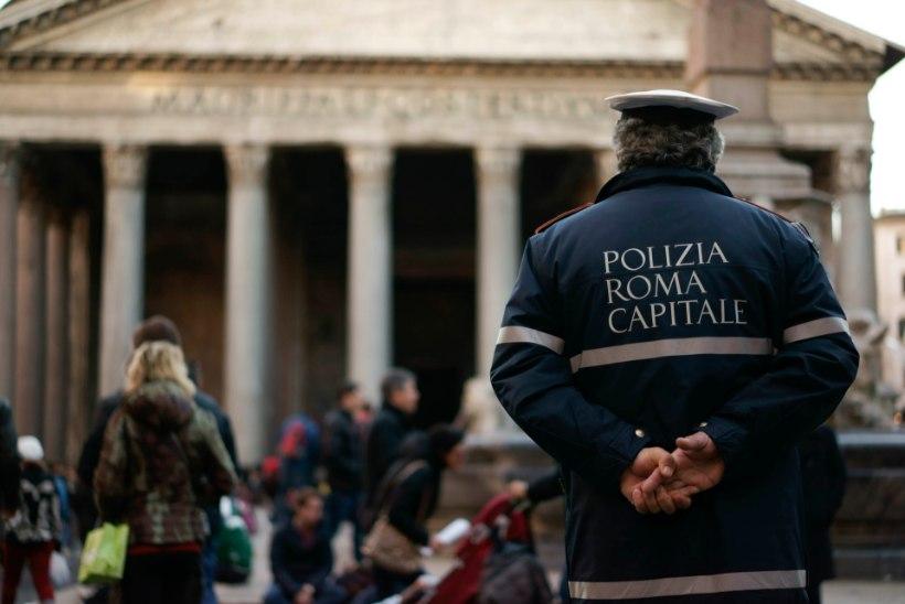 Rooma südalinnas asuva postkontori juures toimus plahvatus