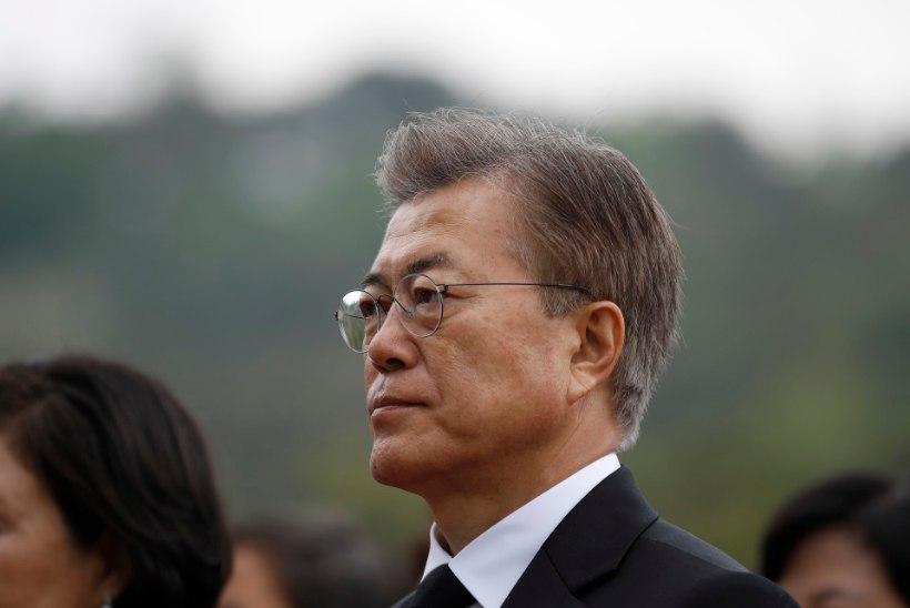 Sarmikas ihukaitsja röövib Lõuna-Korea uuelt presidendilt kogu tähelepanu