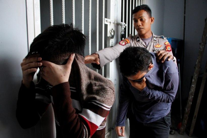 Indoneesias karistas šariaadikohus geipaari 170 kepihoobiga