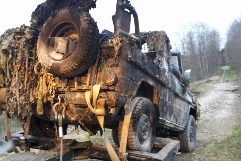 Elektriliin süütas kaitseväe sõiduki, üks sõdur haiglas