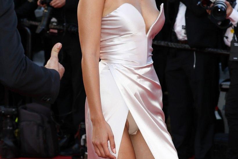 Verinoor vamp välgutas Cannes'is püksikuid, küps kaunitar Sarandon büsti