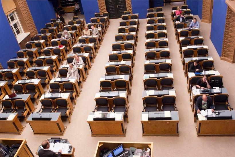 RIIGIKOGU ÖÖISTUNGI PARIMAD PALAD: reformierakond lahkus pärast eelarvearutelu istungisaalist, Helmet ajasid Sesteri väljaütlemised jooma