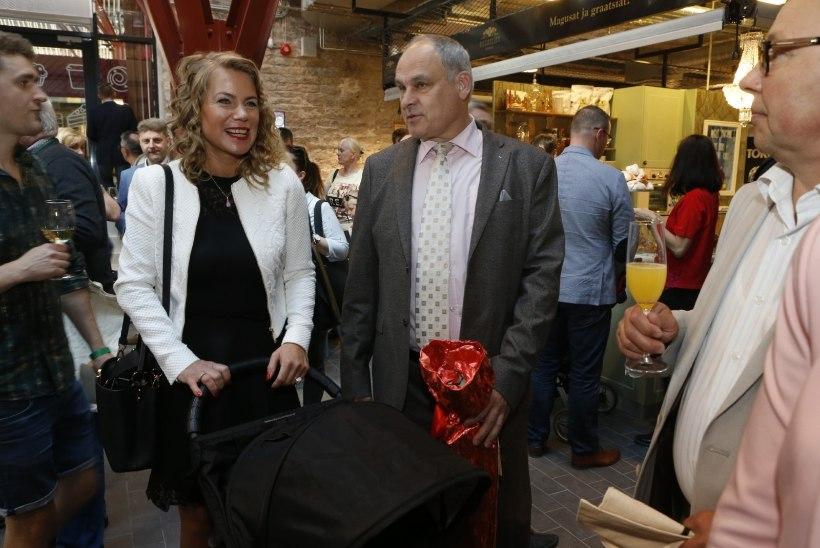 FOTOD | Jaan Toots toetas tulevast abikaasat Balti jaama avamisel