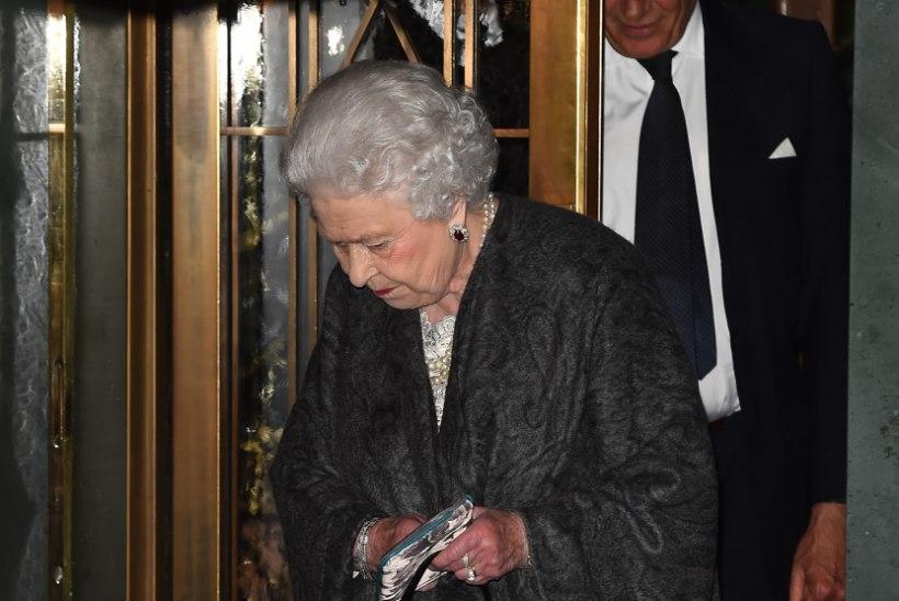 PILTUUDIS | Elizabeth II üllatas kotivalikuga