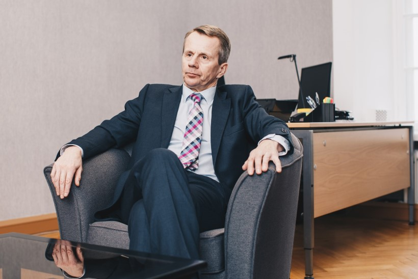 Jürgen Ligi pahandab: valitsus räägib põhjendamise asemel rumalusi