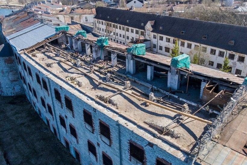 DROONIFOTOD TORMIKAHJUDEST   Patarei merekindluse katuse remont haukab riigi rahakotist suure ampsu