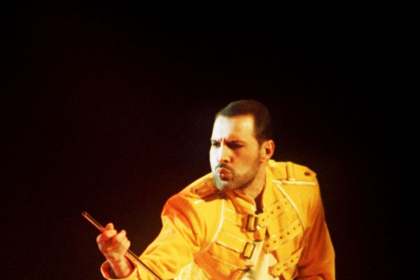 Bändikaaslase hirmus paljastus: Freddie Mercury kaotas aidsi tõttu jala