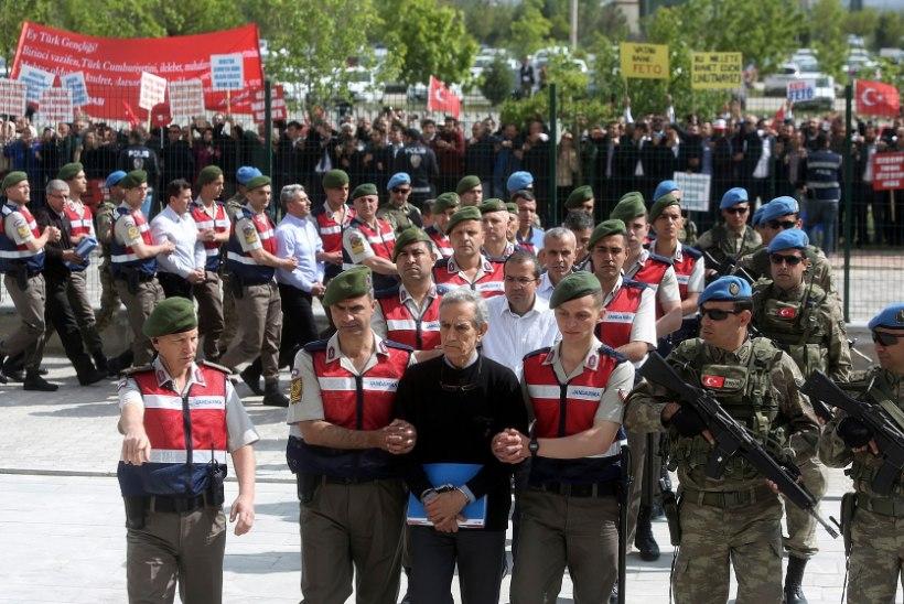 PILTUUDIS | Türgis algas kohus riigipöördekatse korraldajate üle