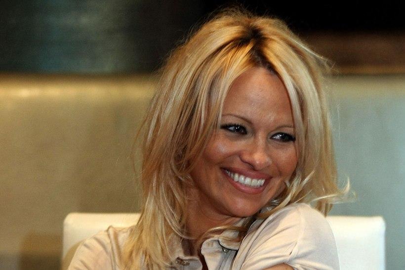 KAS TUNNED ÄRA? Sekspomm Pamela Andersoni välimus on tundmatuseni muutunud