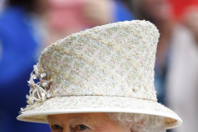 Kuninganna Elizabeth II avaldas seoses Manchesteri rünnakuga imetlust inimeste kaastundlikkuse üle