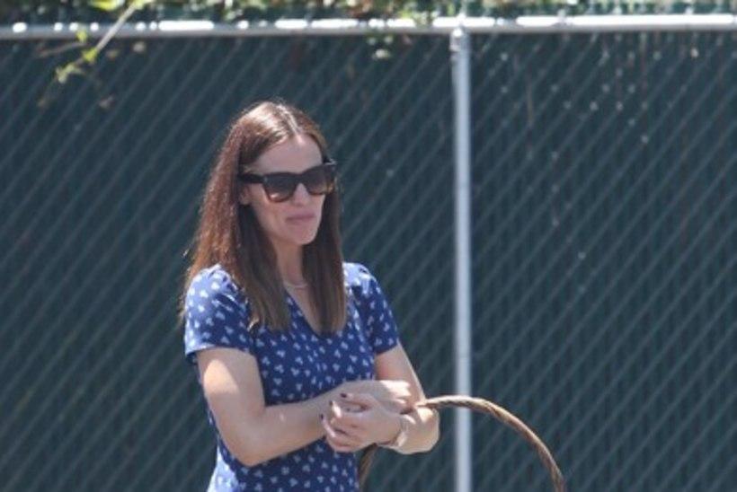 Fotod äratavad kahtlust: kas Jennifer Garner ootab Affleckilt neljandat last?!