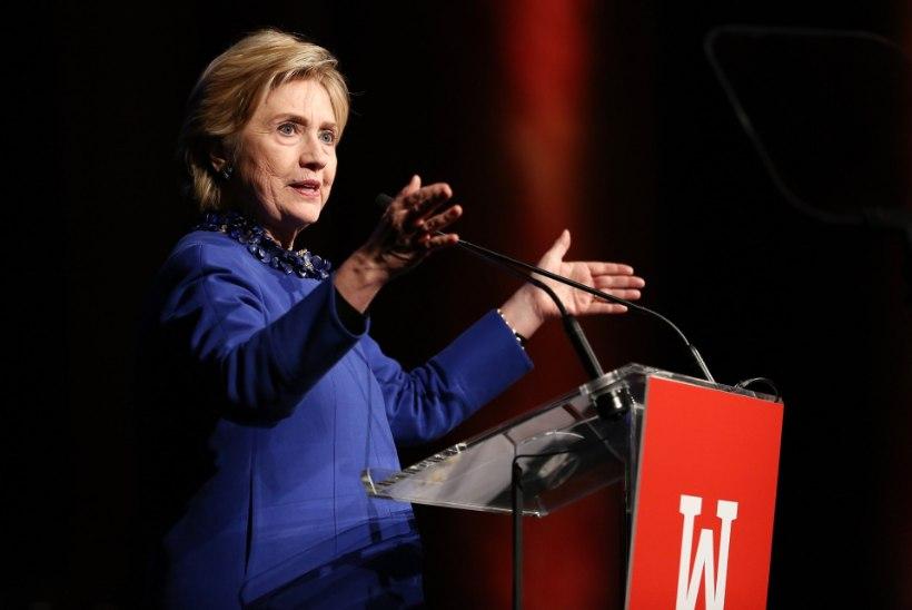 "Clintoni fännid pandi Hitleri ""Mein Kampfi"" lugema"