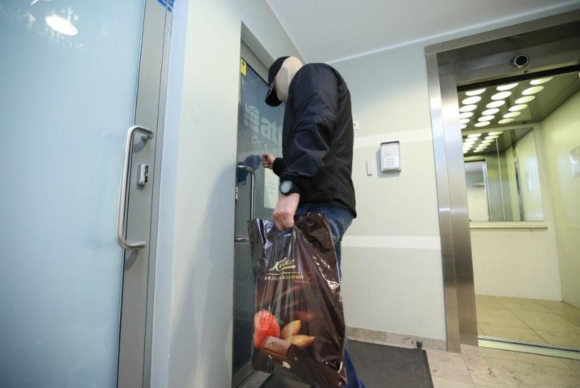 GALERII | Sarapuu bussifirmas käib juba viiendat tundi läbiotsimine