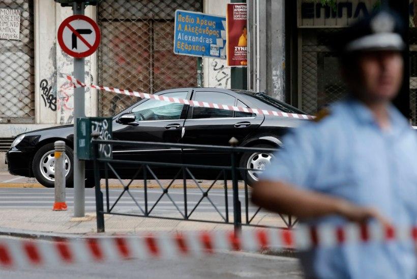 Kreeka ekspeaminister sai autopommi plahvatuses viga