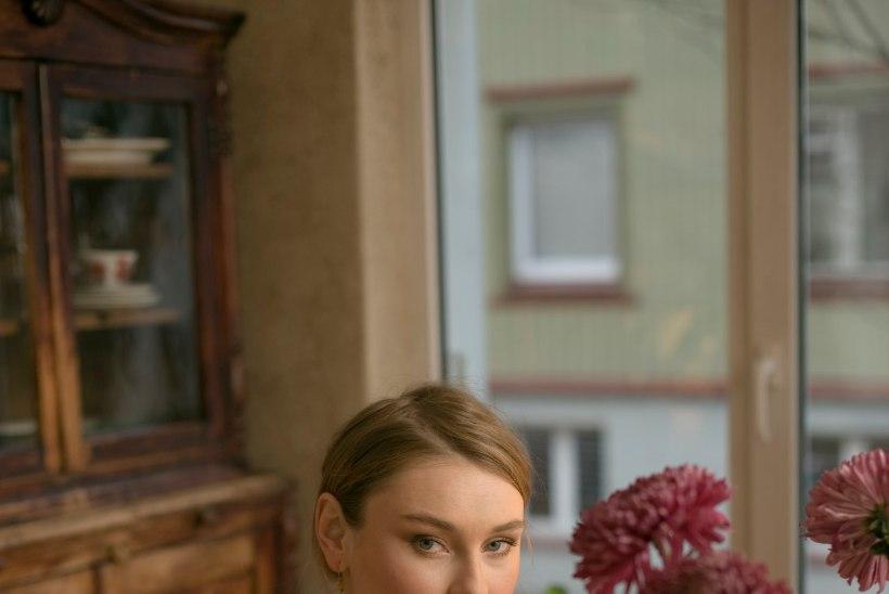 KURB: Anni Arro sulgeb oma kohviku